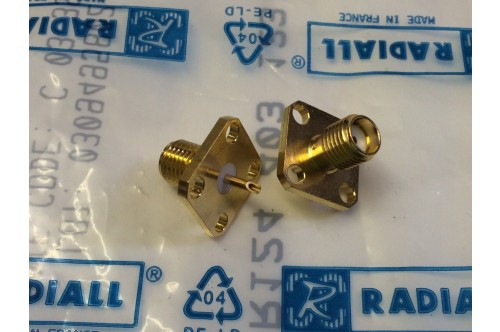 CHASSIS MOUNT GOLD PLATED SMA FEMALE WITH SOLDER BUCKET