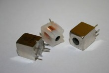 TOKO E526HNA-100075 MOULDED COIL INDUCTORS